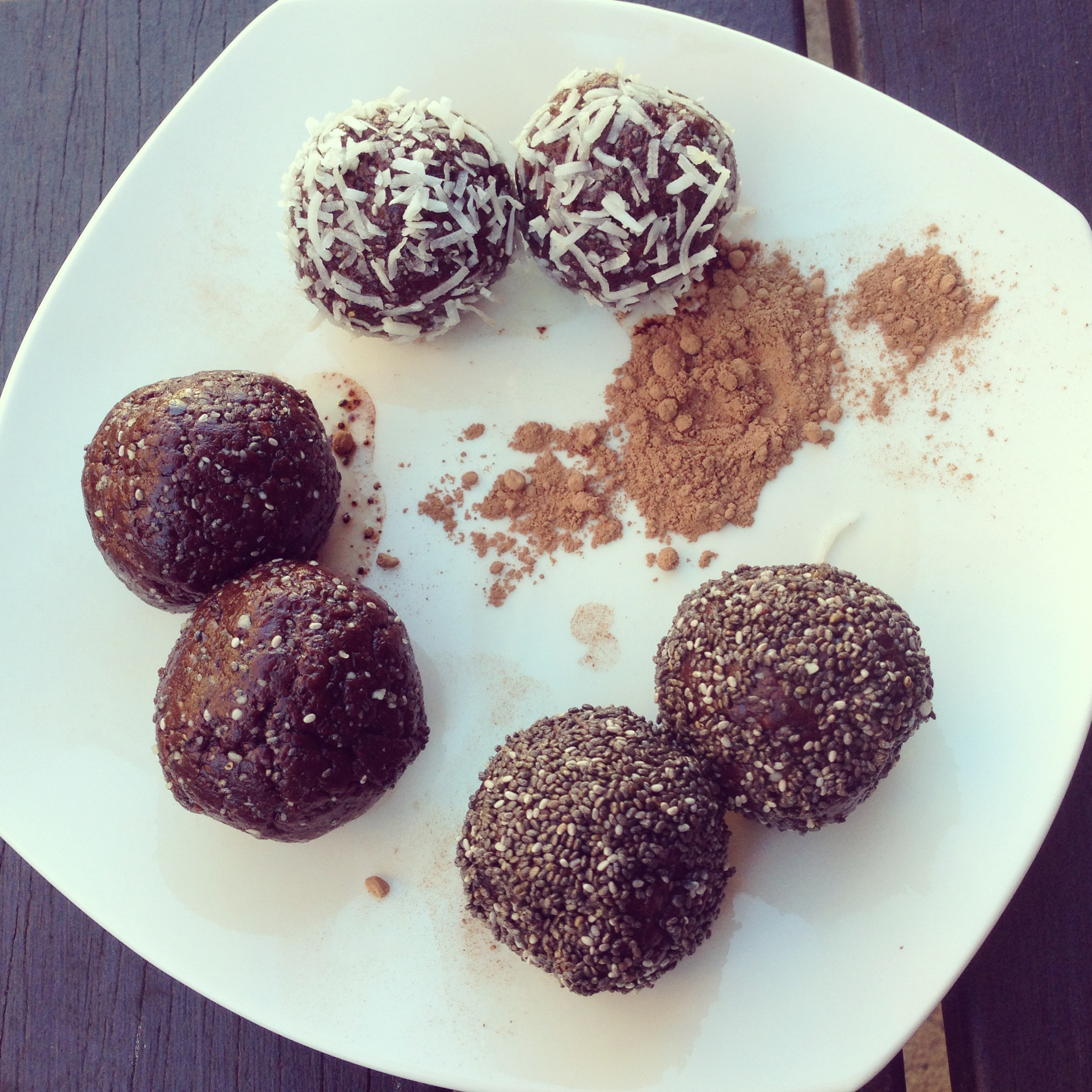 Raw Cocao Fudge Balls! BareVitality