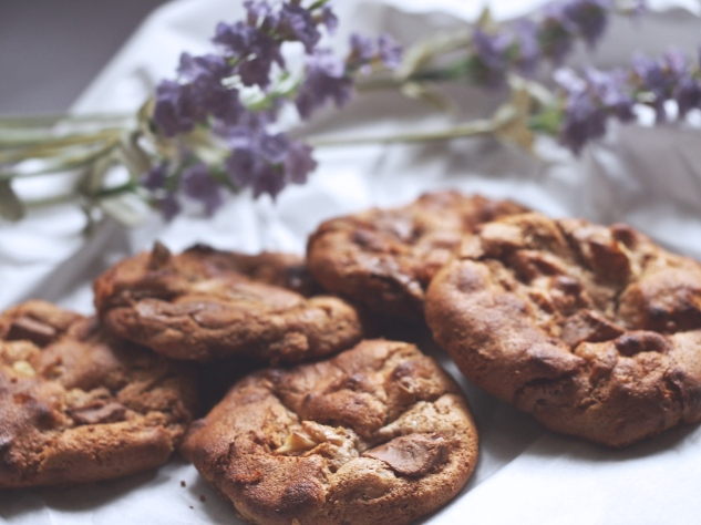 Walnut & Chocolate Chunk Biscuites
